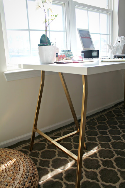 my style republic ikea hack white table top with gold legs. Black Bedroom Furniture Sets. Home Design Ideas